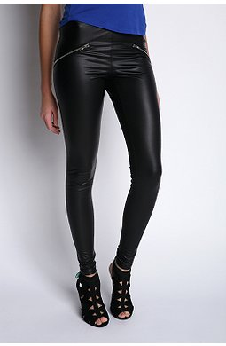 Silence & Noise Moto Zip matte legging $24.99USD (Was $38USD) at Urban Outfitters